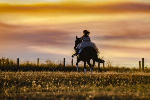 Comunión con Alba y su pasión, los caballos